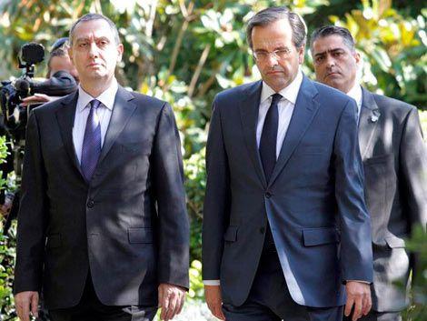 Crisis en Grecia: opositores piden renuncia de Papandréu