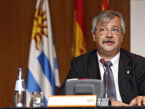 Gobierno busca en España US$ 2.800 millones para rutas y trenes