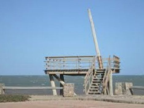 Niña brasileña grave al caer de torreta en Punta del Este
