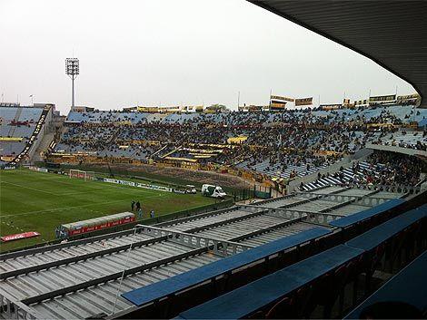 Alcoba vuelve a la zaga de Peñarol después de 9 meses lesionado