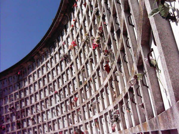 Cementerios de paro en la previa del Día de los Difuntos
