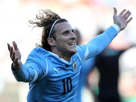 Si Forlán hace un gol a Bolivia será el máximo goleador celeste