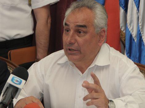 """Mujica pidió a Rosadilla que no renuncie: """"Es insustituible"""