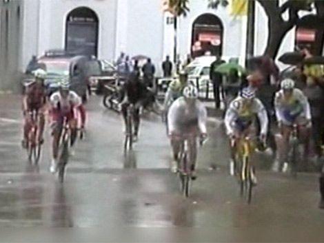 Polémica en vuelta cliclista: 68 competidores abandonaron carrera