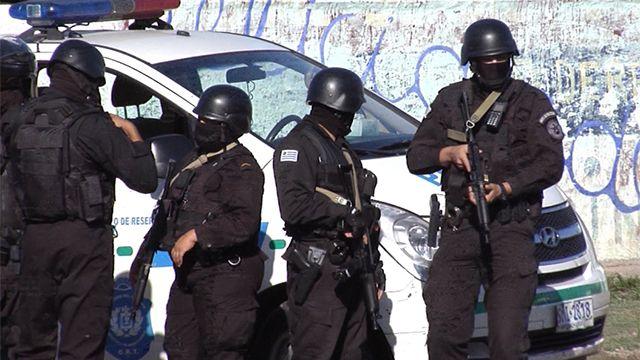 Detienen cabecillas de banda que desalojaba familias en Cruz de Carrasco