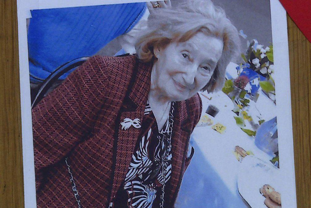 Sobreviviente del Holocausto fue asesinada en su apartamento en París