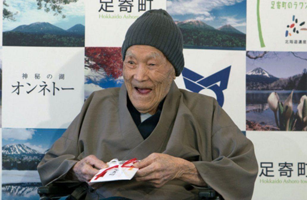 Un japonés de 112 años, el nuevo hombre más viejo del mundo