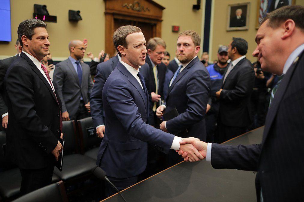 Facebook donó miles de dólares a los políticos que interrogaron a Zuckerberg