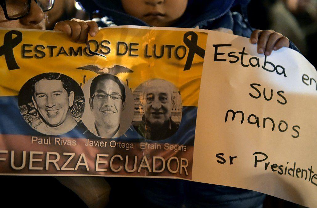 Ecuador y Colombia buscan cuerpos de periodistas asesinados mientras cazan a asesinos