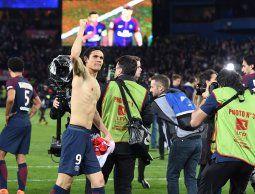 Con un rutilante Cavani y sin Neymar, el PSG se consagró en Francia