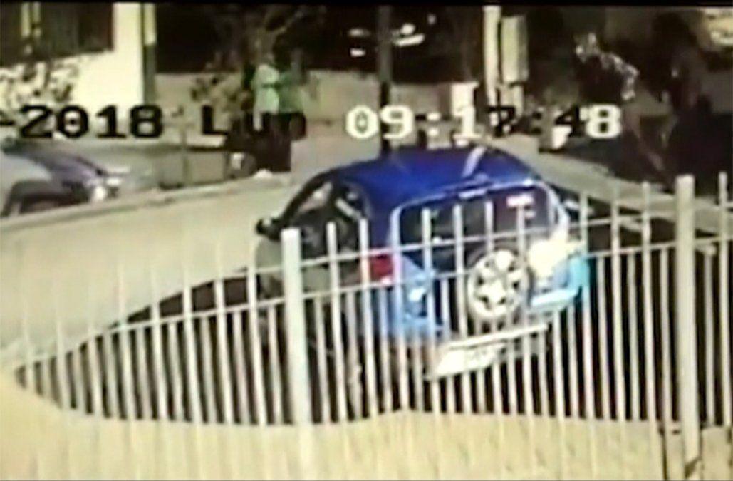 Dos personas baleadas en medio de tiroteo y robo a un Abitab