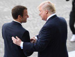 altText(Macron: