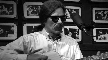 Falleció el músico Renzo Teflón, ex vocalista de la banda Los Tontos