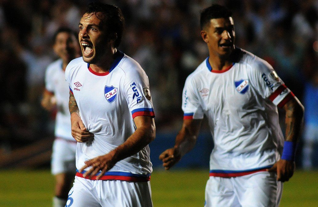 Nacional goleó a Garcilaso 4-0 y trepó al segundo lugar del grupo, detrás de Santos