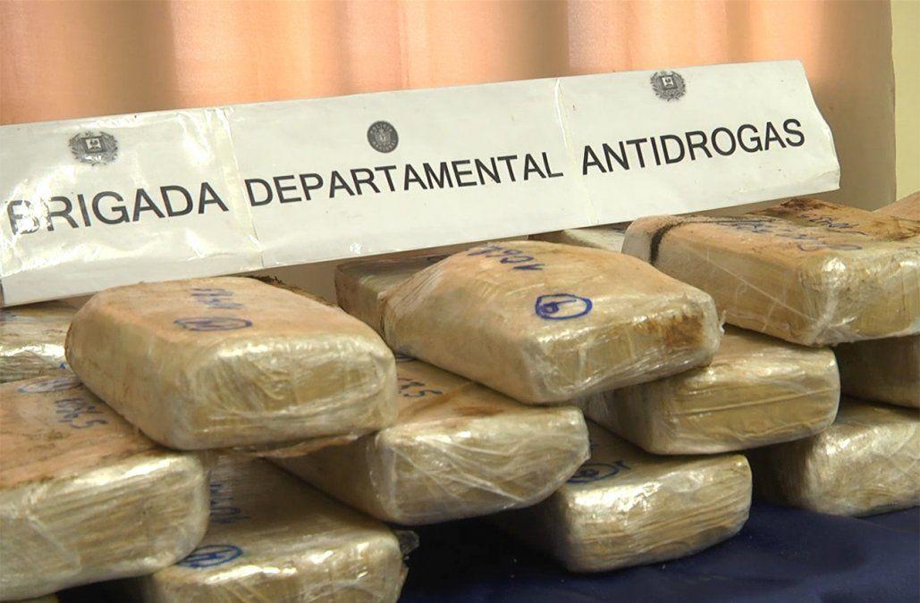 Pasta base y cocaína incautada en el marco de la Operación Cherokee en Melo.
