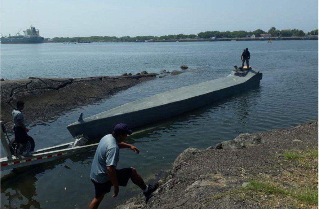 Interceptan minisubmarino con casi una tonelada de cocaína