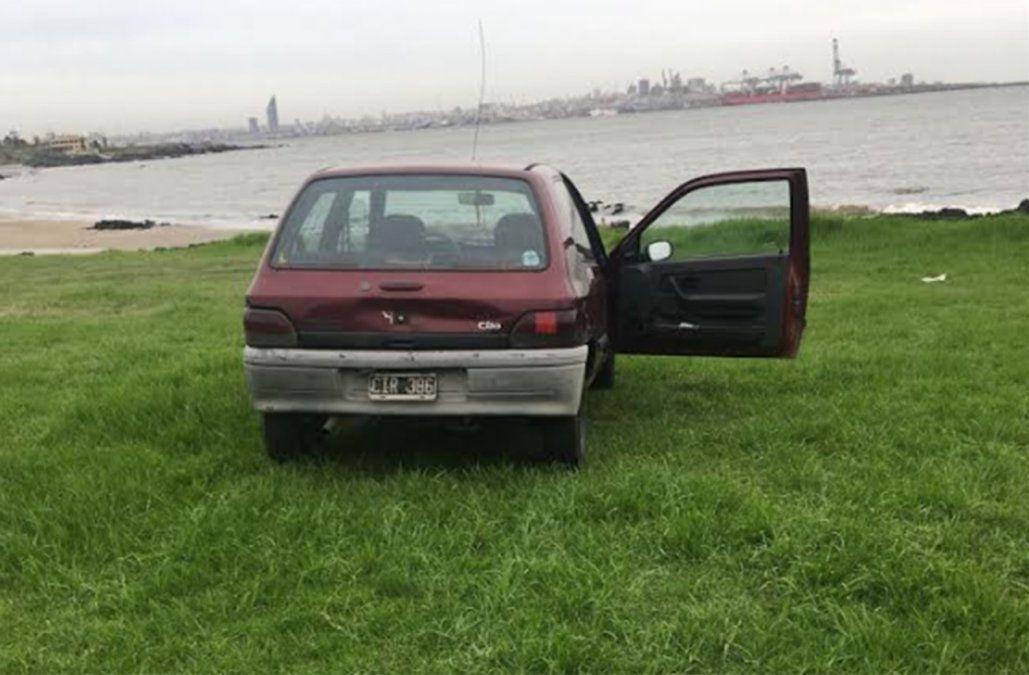 El auto hallado en la escena del crimen