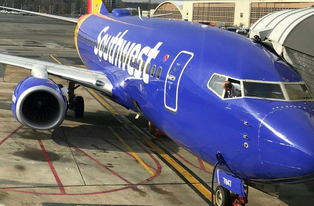 Otro vuelo de Southwest debió aterrizar de emergencia por una ventanilla rota