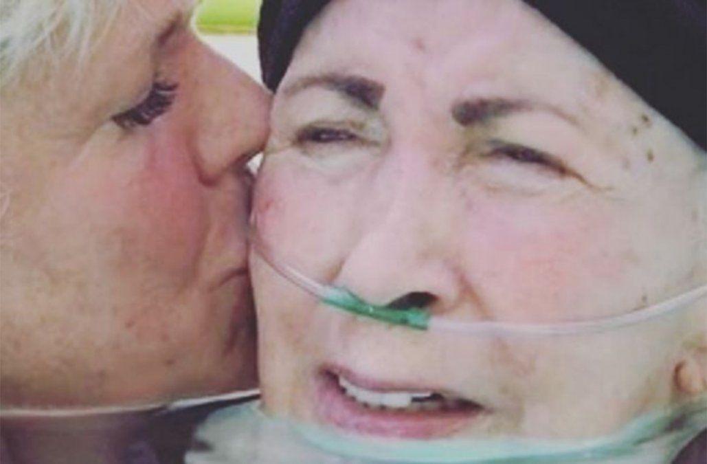 Xuxa pidió a sus millones de seguidores que recen por la salud de su madre