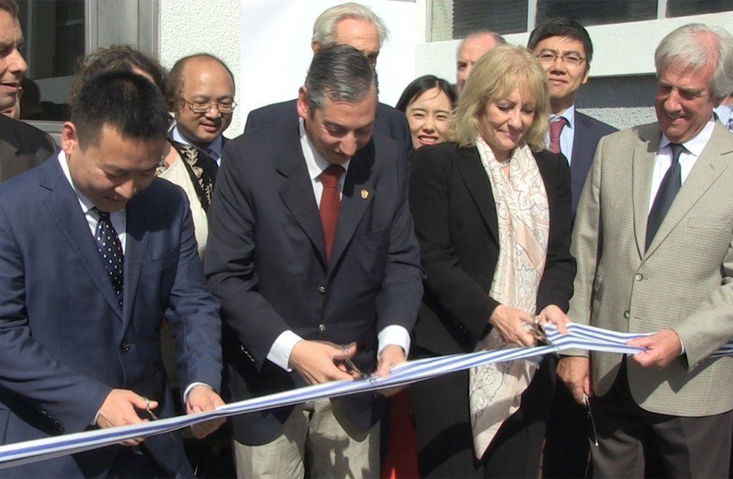 Robaron las valijas de la delegación de empresarios chinos del Frigorífico Florida