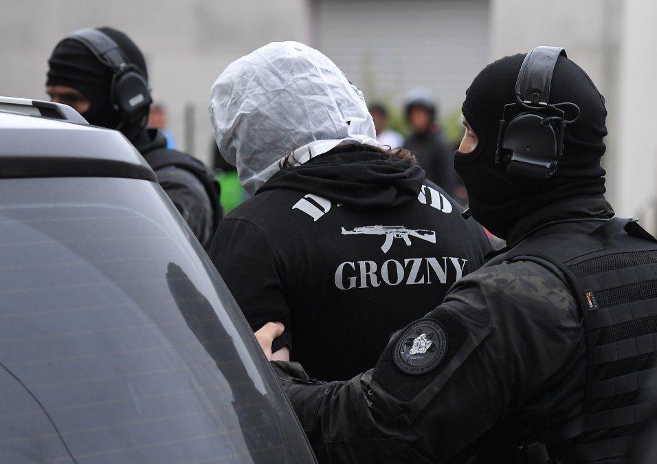 El atacante de París nació en Chechenia y estaba fichado por radicalización