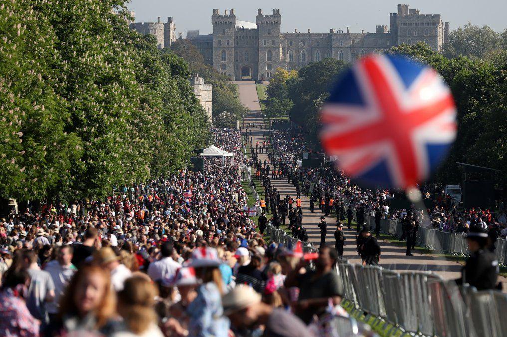 Las calles de Windsor se llenan de público que no se quiere perder detalle