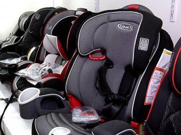 El 57% de quienes viajan con niños tiene mal instalada la silla infantil
