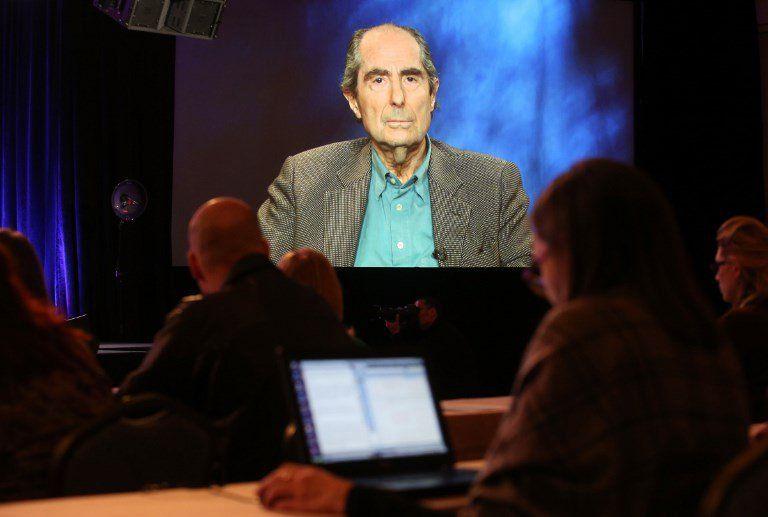 El escritor siempre fue poco amigo de las entrevistas y los actos de presencia. Pero en 2013 participó vía satélite de American Masters Philip Roth: Unmasked