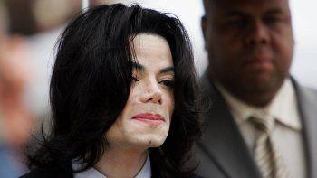 Acusan a la cadena ABC de explotar la imagen de Michael Jackson