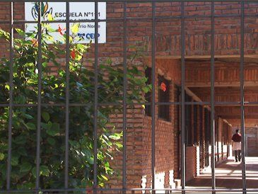 Militares hacían práctica de tiro y un balazo impactó en la escuela cercana
