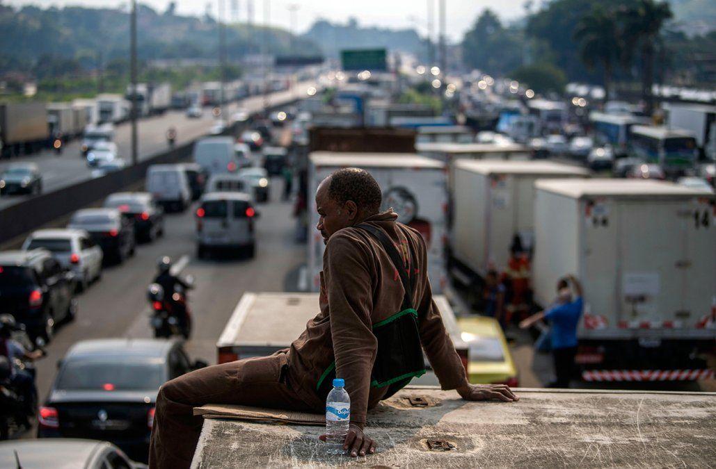Resultado de imagen para Temer cede a demandas de camioneros para frenar huelga