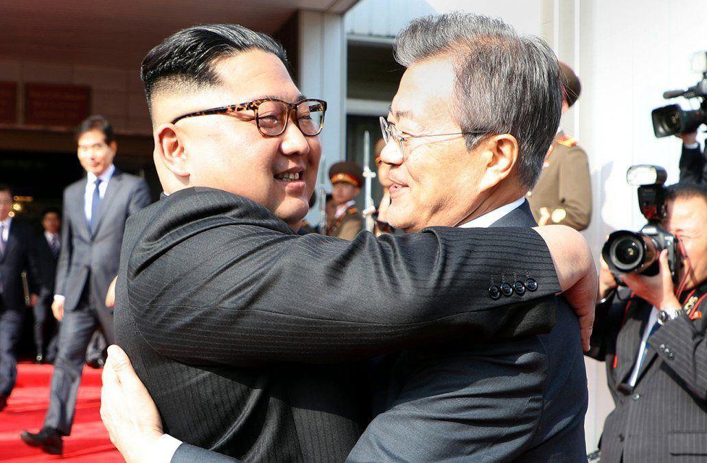 Líderes coreanos se reunieron este sábado tras cancelación de cumbre Trump-Kim