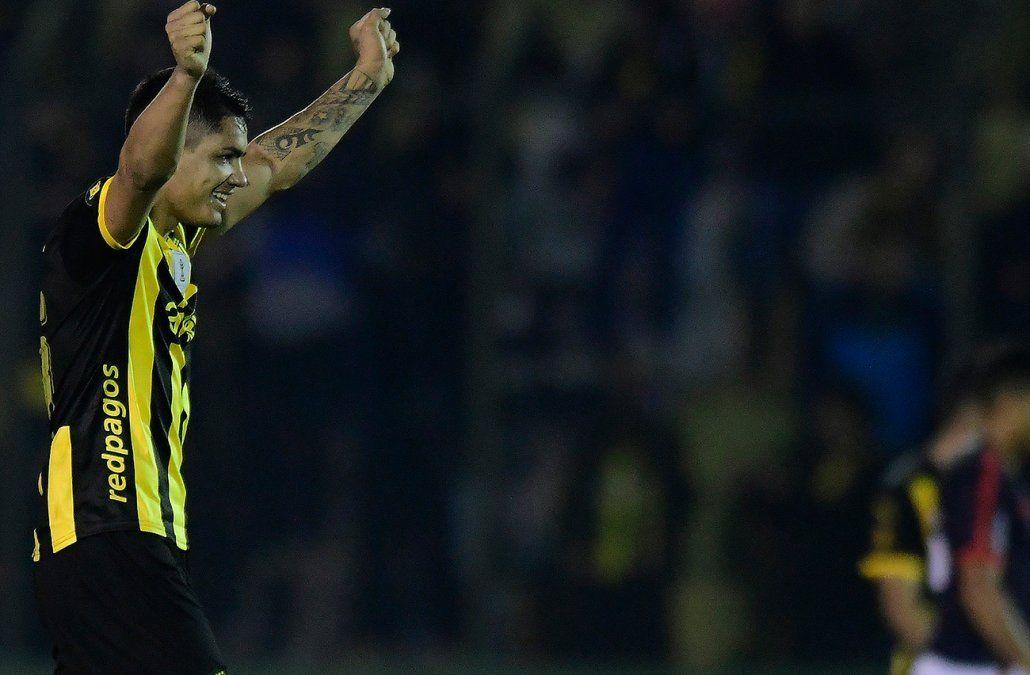 Peñarol le ganó 2-1 a Atenas en agónico final con goles en los descuentos