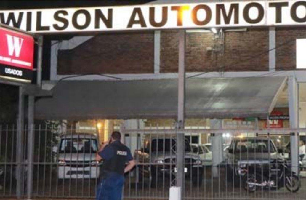 Otra vez Salto, terreno de delincuentes: grupo armado roba automotora