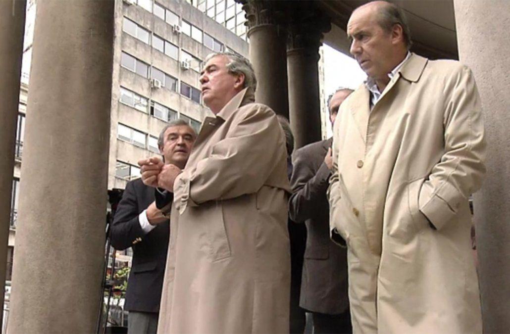 FOTO: Dirigentes de la oposición presentan la denuncia contra Sendic en el juzgado (abril de 2016).