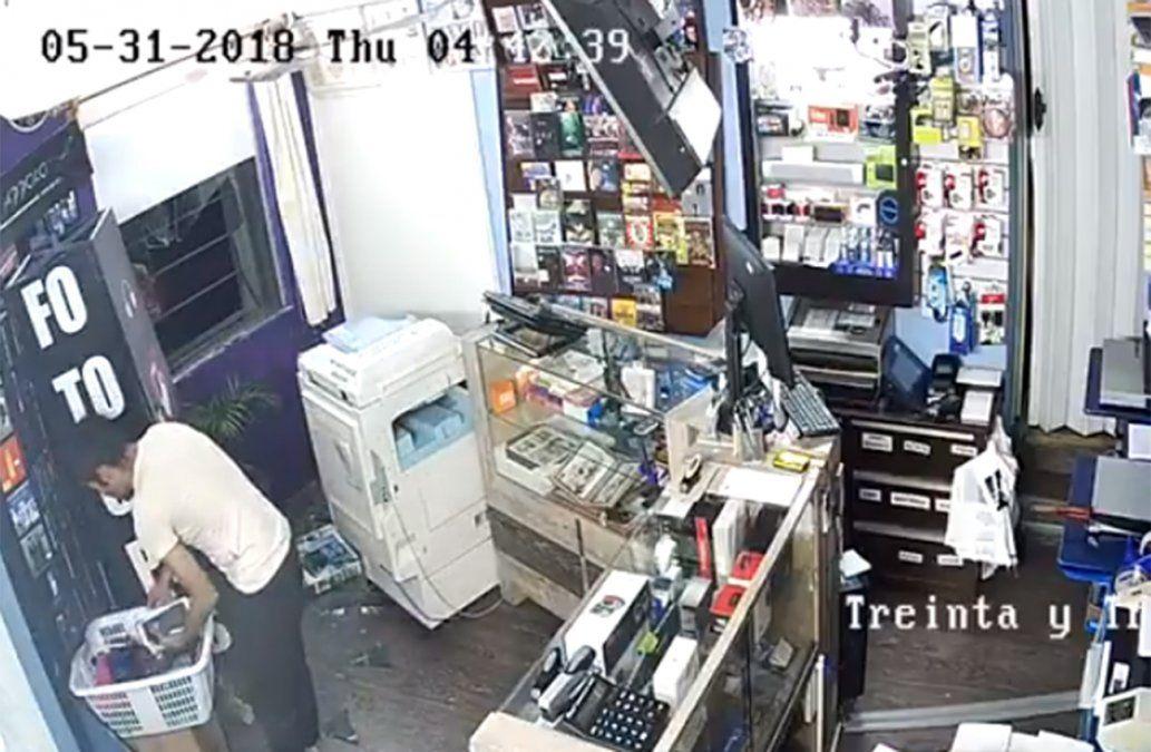 Robó disquería en San José y las cámaras dejaron todo registrado