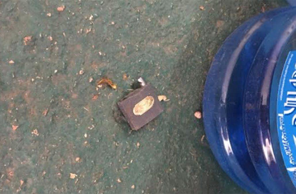 Candado roto en las instalaciones del Estadio Olímpico de Rampla Juniors