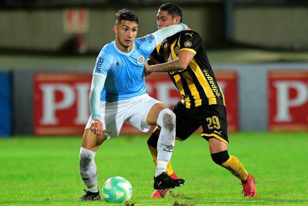 Torque festeja ante Peñarol una vez más, le ganó 4-3 en el Campeón del Siglo