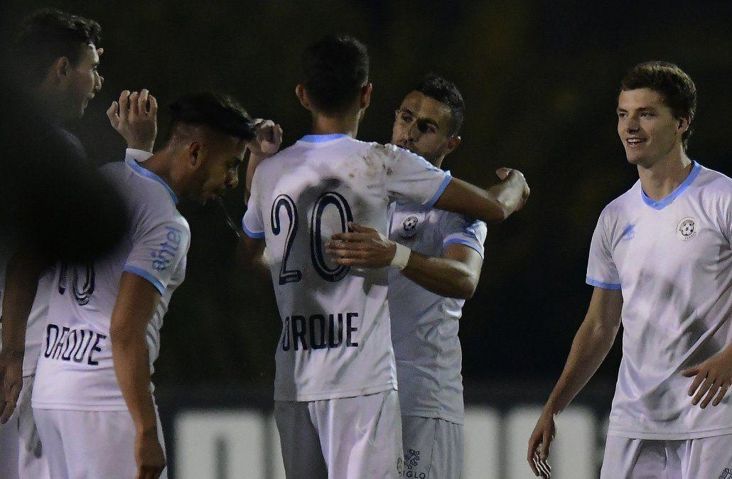 Torque o Peñarol asoman como finalistas; en la otra serie Cerro o Nacional