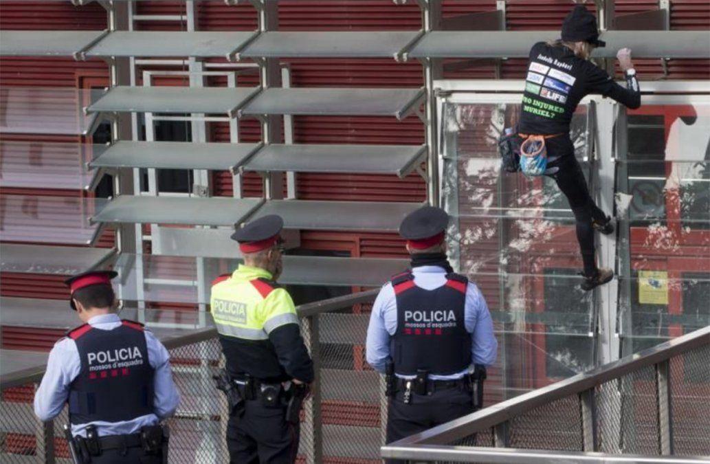 Spiderman Francés detenido cuando intentaba escalar torre de 555 m en Seúl