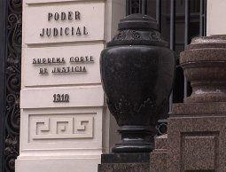 Cuatro empleados condenados por agredir a un compañero afrodescendiente