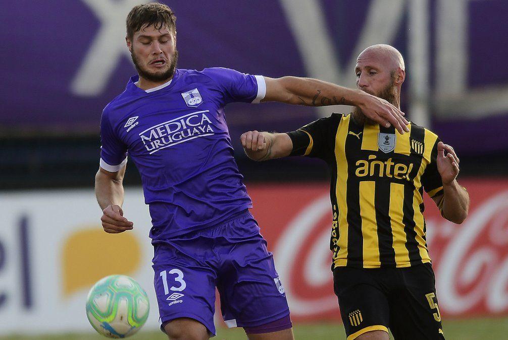 Peñarol le ganó 3-1 a Defensor Sporting en el Franzini