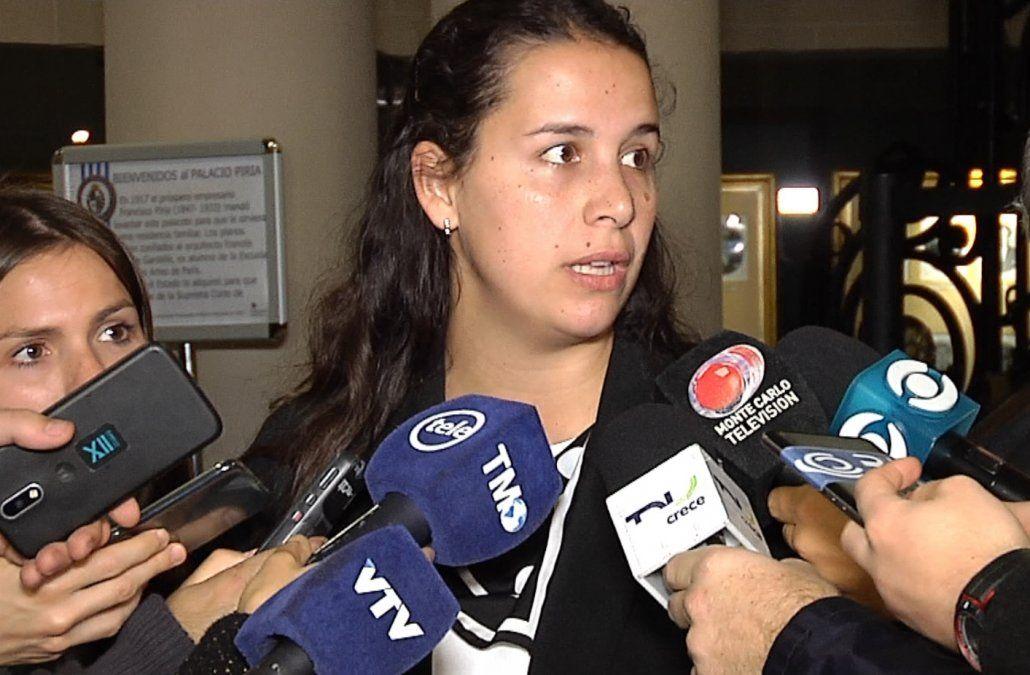 La Corte analizó el caso de la niña y decidió que debe volver a España