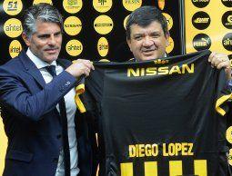 Peñarol presentó a Diego López como nuevo entrenador