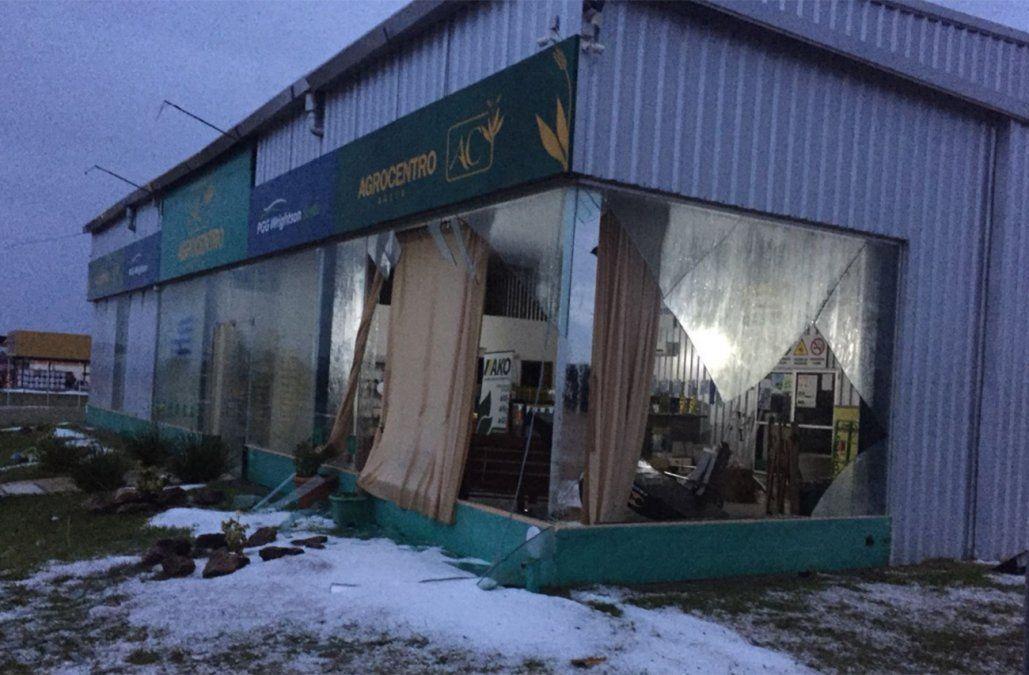Destrozos en las instalaciones de AgroCentro en Salto