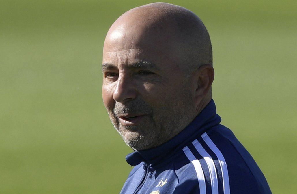 AFA comunica que por ahora Sampaoli sigue al frente de selección argentina
