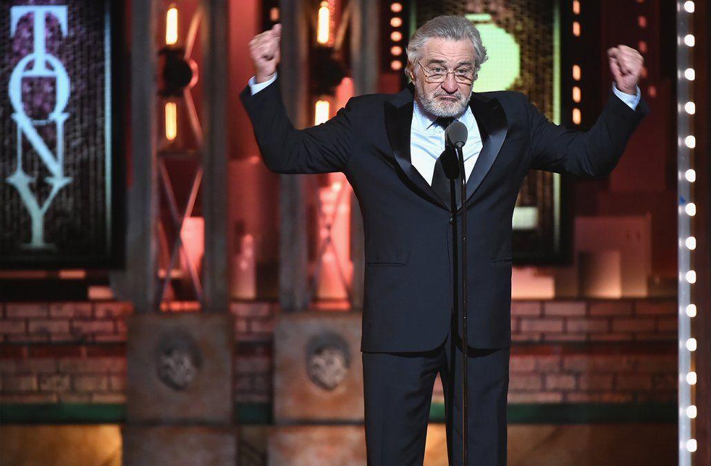 Robert De Niro insultó a Trump y fue ovacionado de pie