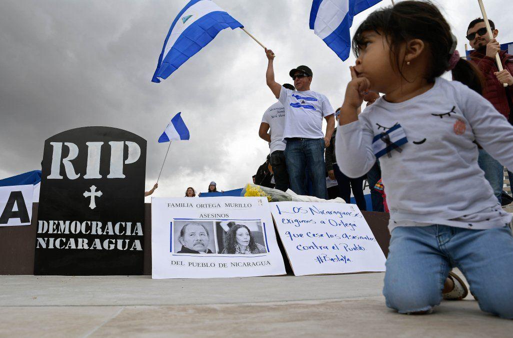 Acribillan a balazos las barricadas de vecinos en barrios de la capital de Nicaragua