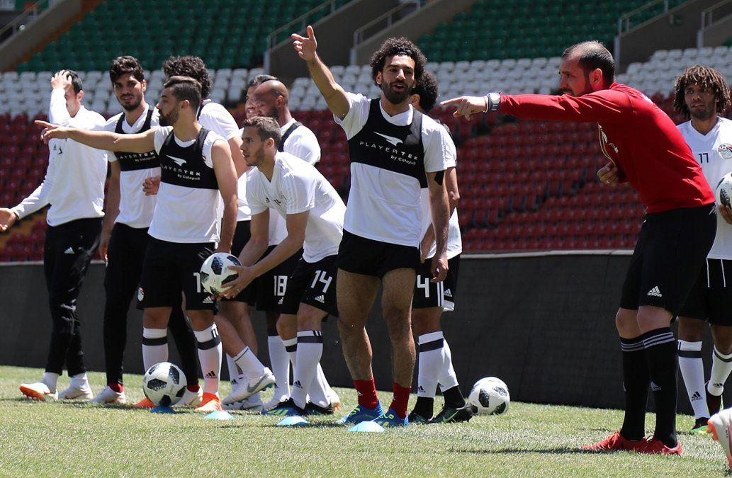Salah entrenó con el plantel de Egipto y podría jugar contra Uruguay