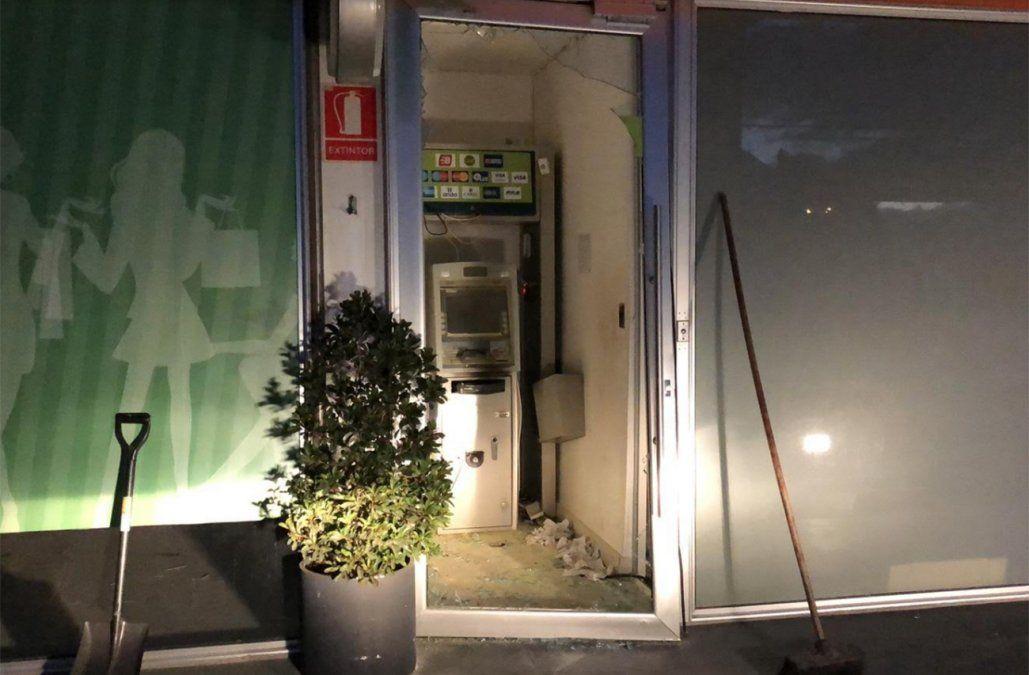 Cajero automático explotado este jueves en Camino Carrasco